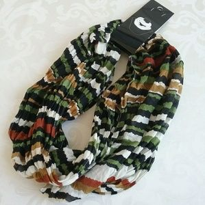 Cejon infinity scarf. Striped olive tan black